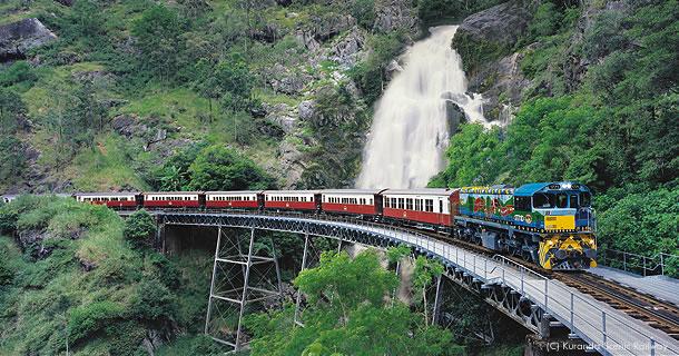 ケアンズからキュランダを結ぶ「キュランダ鉄道」