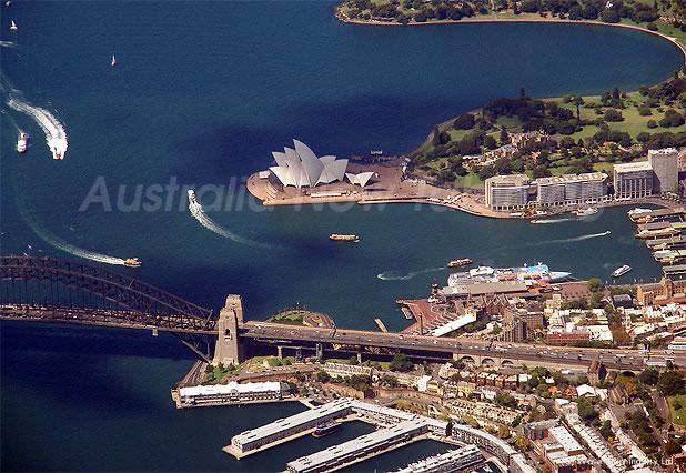 世界三大美倖港に数えられる美しいシドニー湾