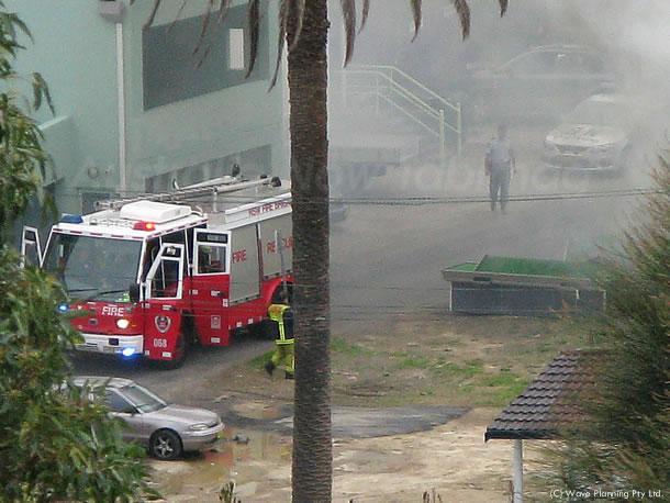 2010年8月12日 近所で家事!約7分後、消防車と警察が到着。