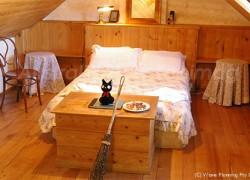 魔女の宅急便に登場するキキの部屋に似たKiki's Room