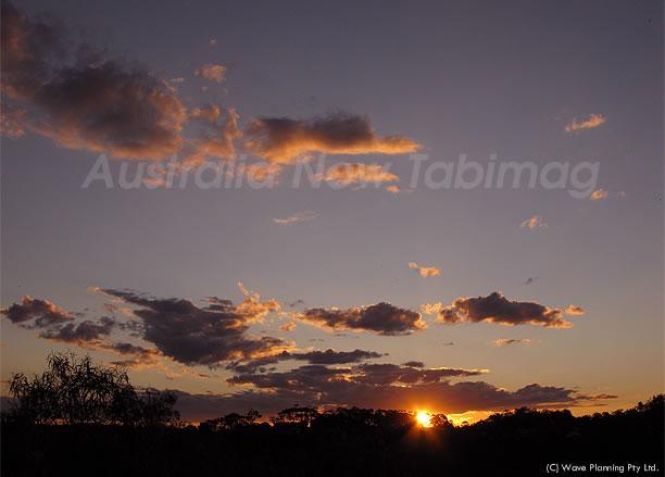ぽっかり浮かぶ夕焼け雲 2010年10月27日