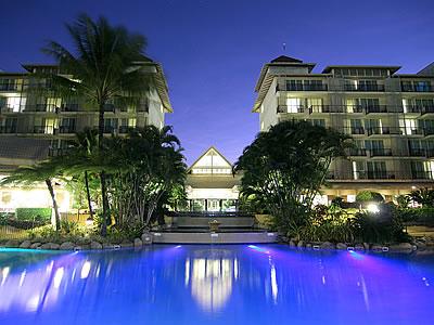 トロピカルなラグーン・プールが自慢のノボテル・オアシス・リゾート