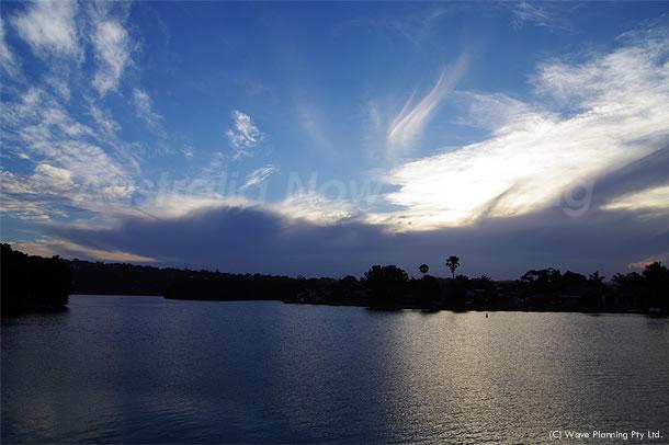 ピースプルな夕暮れの湖 2010年11月26日