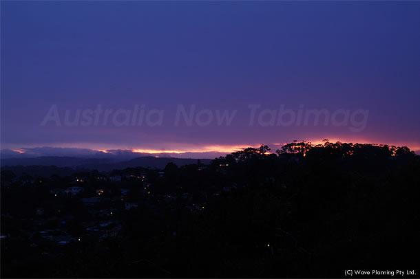 雨が降りしきる中、一瞬だけ美しい夕景が出現! 2010年12月01日