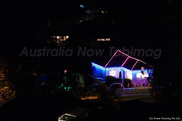 シドニー住宅街でのクリスマス、始まりました!2010年12月03日