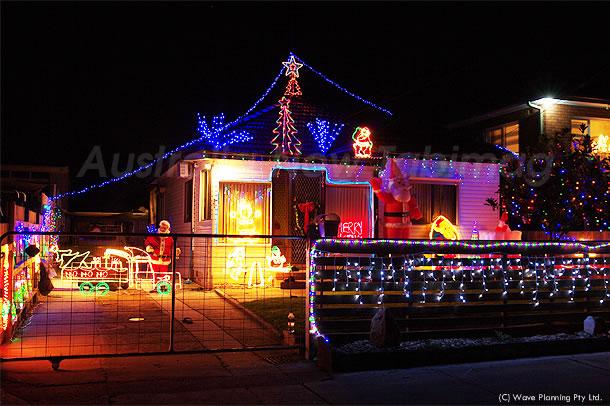 シドニーから、メリークリスマス!住宅街のX'mas風景 2010年12月24日