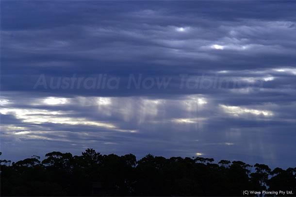 夏の嵐が生んだ光のカーテン 2010年12月27日