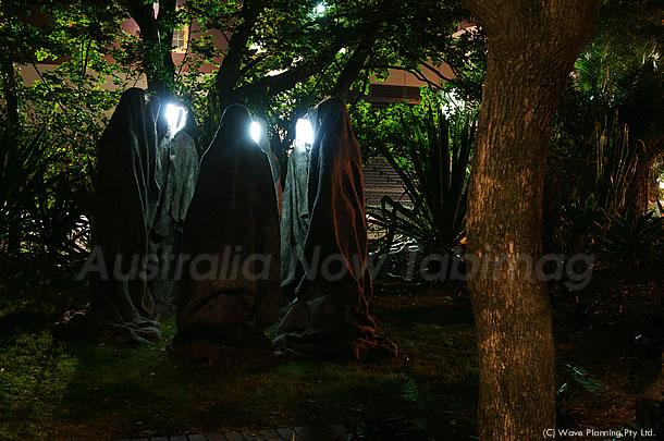 ビビッドシドニー☆ 闇夜に現れた修道士たち 2011年5月19日