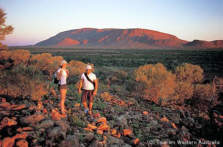 世界最大の一枚岩「マウントオーガスタス」
