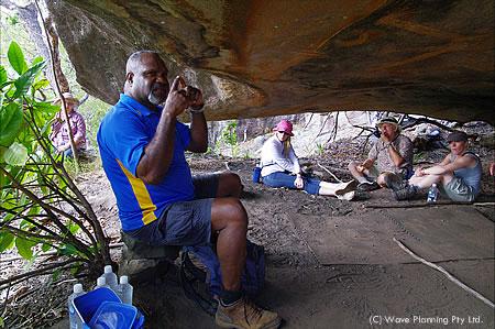 人間の本来あるべき姿について、力強く語るアボリジニの長ウィリー