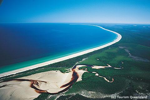 常識では考えられない豊かな自然が広がるフレーザー島