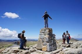 オーストラリア大陸の最高峰、コジオスコ山山頂