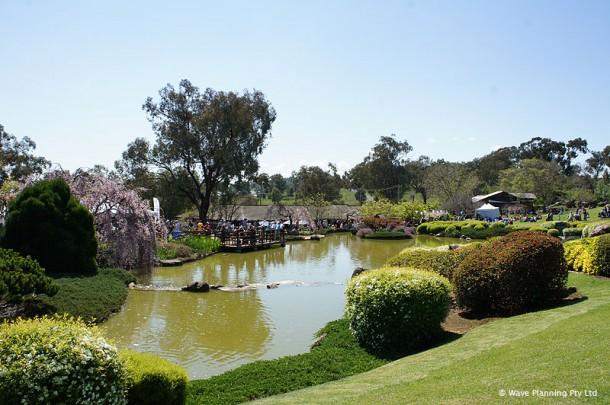 本格的な回遊式日本庭園「カウラ日本庭園  Cowra Japanese Garden」