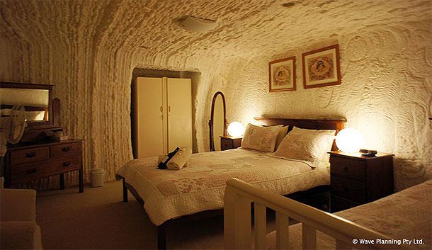 地下で眠るユニーク体験!クーバーペディのホテル、宿