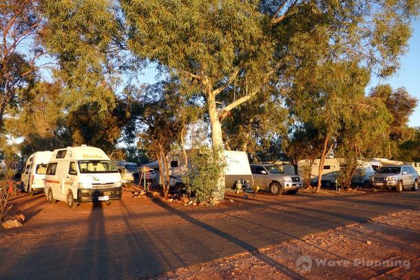 朝陽が当り始めたキャンプ・グラウンド