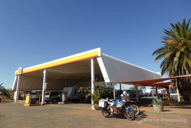 アールドゥンダのリゾート仕様ロードハウスのガソリンスタンド