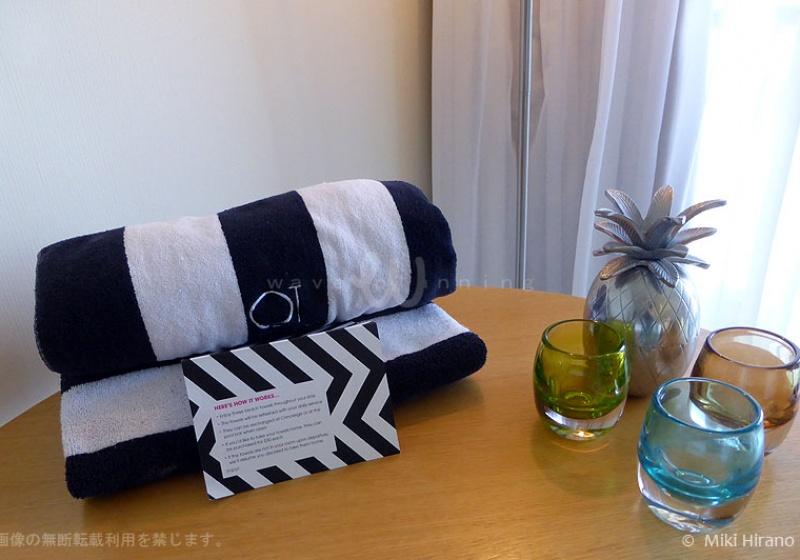 部屋に用意されたビーチタオル