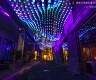 ロックスの小道を彩る青いケミカル・ライト / ビビッド・シドニー2016