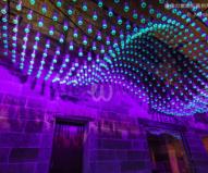 青く淡い光を放つケミカル・ライト / ビビッド・シドニー2016