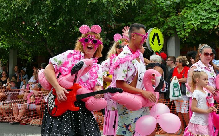 エルビス衣装じゃなくてもパレード参加OK!