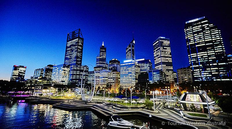 パース中心部のエリザベス・キー Elizabeth Quay, Perth